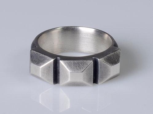 R66 Tri Block Ring