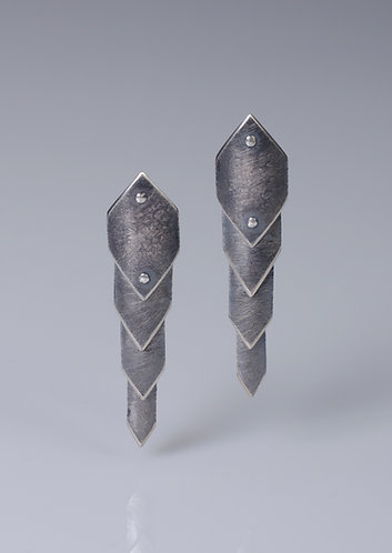 E99 Dragonscale Earrings (Dark)