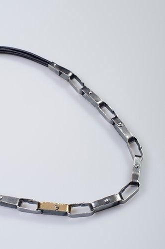 N124 Rivet Chain with 18K Gold Bi-metal link