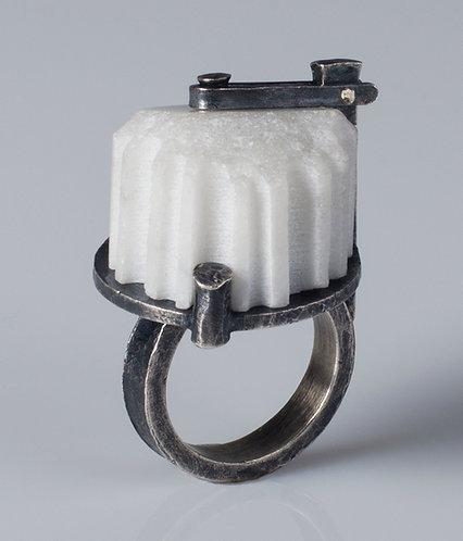Pinned Column Fragment Ring