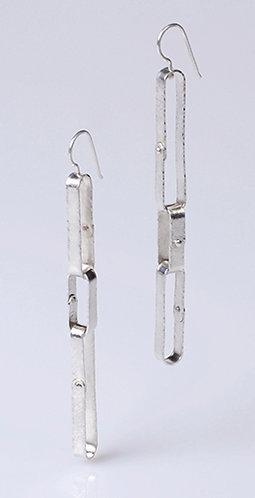 E92 Rivet Chain Earring