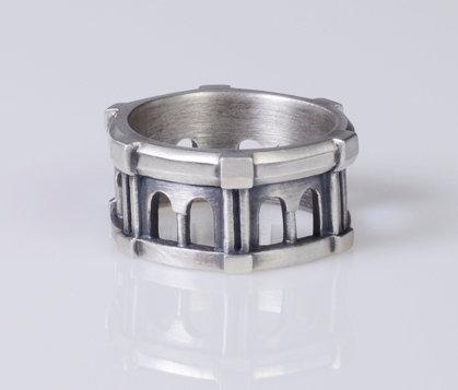 R62 Cloister Ring