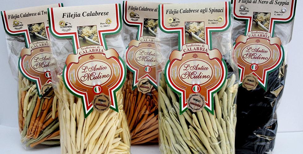 EN AV ITALIENS GODASTE - Handrullad FILEJIA / Pasta