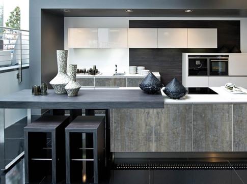 Современная, комфортная и функциональная кухня в стиле модерн
