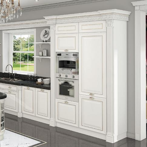 Светлая кухня в классическмо стиле