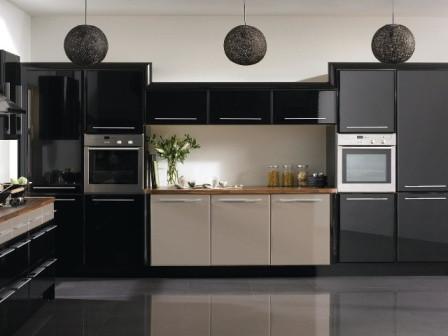 Современный и функциональный интерьер кухни в стиле модерн
