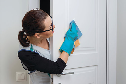 Чистка, полировка дверей 1 створка (с двух сторон) цена за штуку