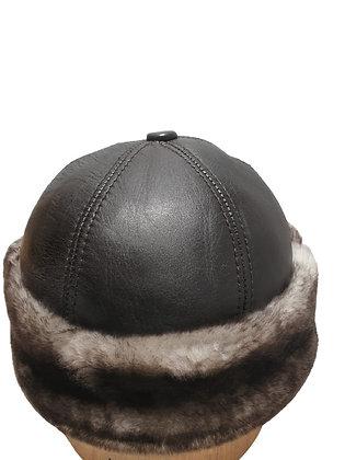 Casual lammeskinnslue napplan med kort lammepels - mørkebrun