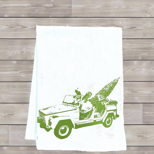 ALLIGATOR AND PELICAN GET A CHRISTMAS TREE TEA TOWEL