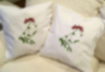 "18""X18"" MISTLETOE PILLOWS"