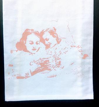 GIRLS READING BEDTIME STORY TEA TOWEL PINK