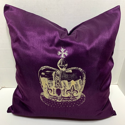 KINGS CROWN PILLOW WITH FEATHER INSERT