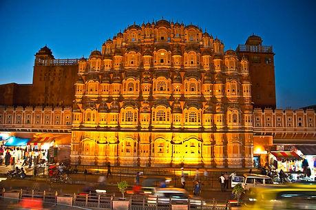 Hawa-Mahal-Jaipur-at-night.jpg