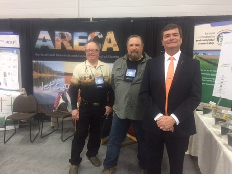 Minister of Agriculture, Oneil Carlier visits ARECA at FarmTech 2017