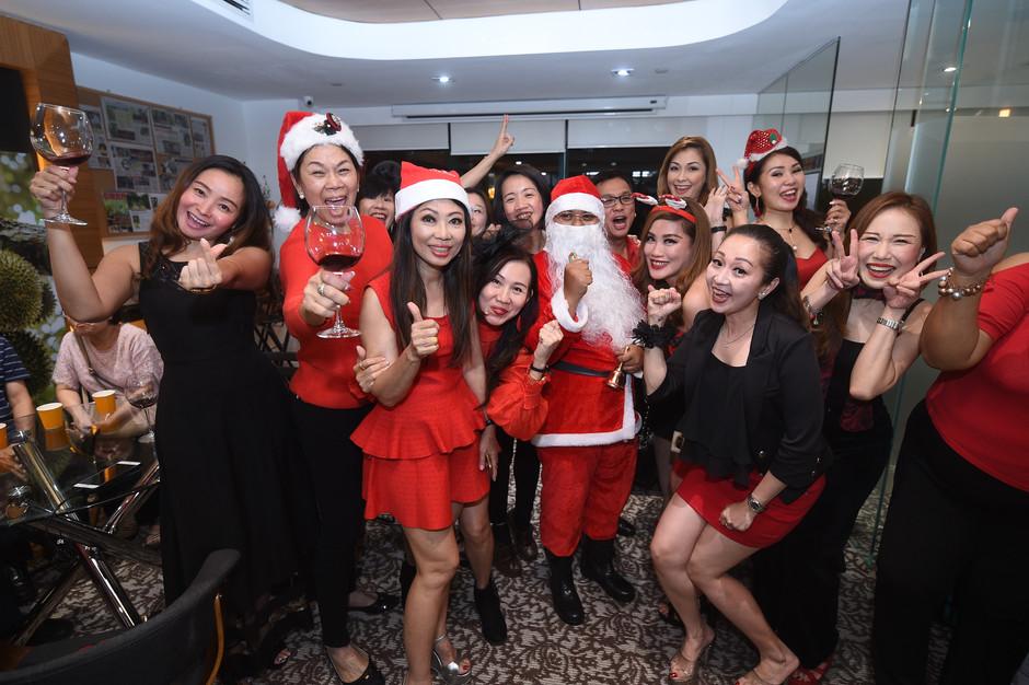 Eco Starland Group celebrates Christmas Party 易盛集团欢庆圣诞派对