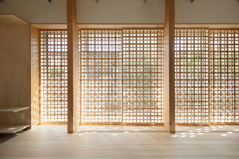 Die traditionelle Schiebetür (Shoji) wurde ebenfalls aus dem Holz des Kiribaumes gefertigt.