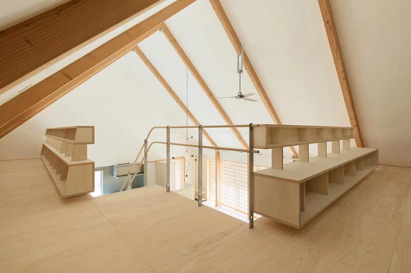 Kiriholz findet im Hausbau immer mehr Anwendung. So auch bei der Konstruktion von Treppengeländern.