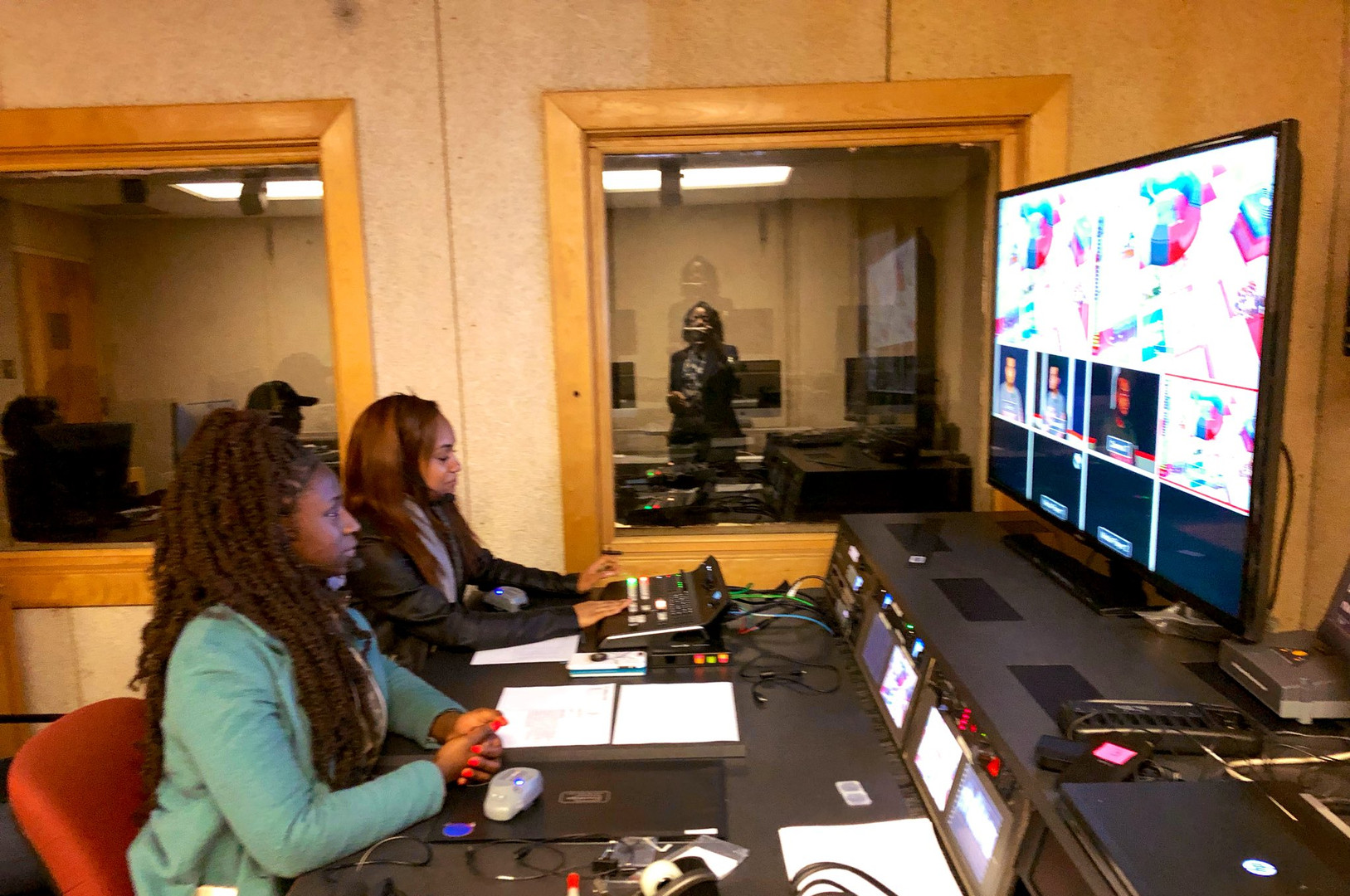 sydney and noni in studio.jpeg