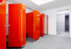 tualet-iz-stekla-red-1511375407.jpg