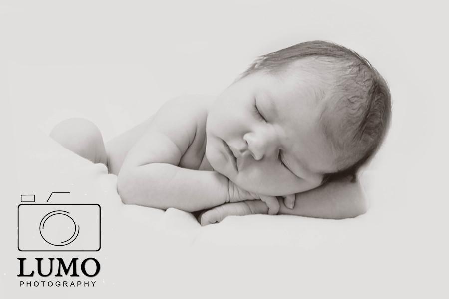 newborn photographer ealing london