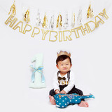 There are so many milestones in the first year, but turning one is best celebrated getting messy with cake andballoons!  A Lumo Photography Birthday shoot can be a messy cake smash, a trip to the park with balloons or just a beautiful portrait shoot of your childs special day!