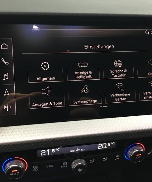 Audi Q3 F3