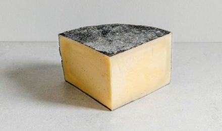 CORNISH KERN CHEESE APPROX 450GR