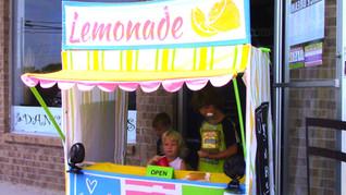 Little Life Gives Back: Lemonade Stand