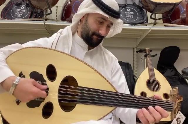 عود سوري صناعة زرياب الشكل العراقي