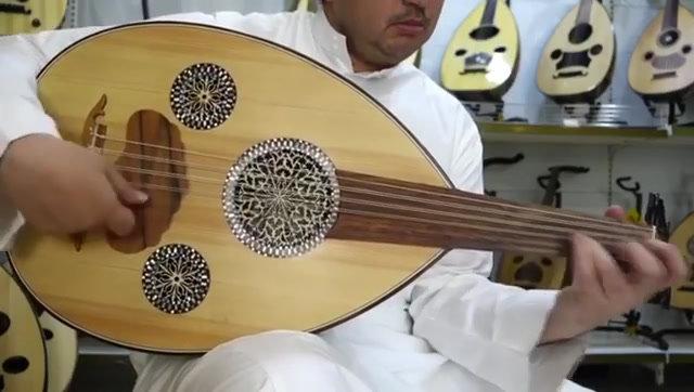 عود مصري صناعة مصطفى داغر