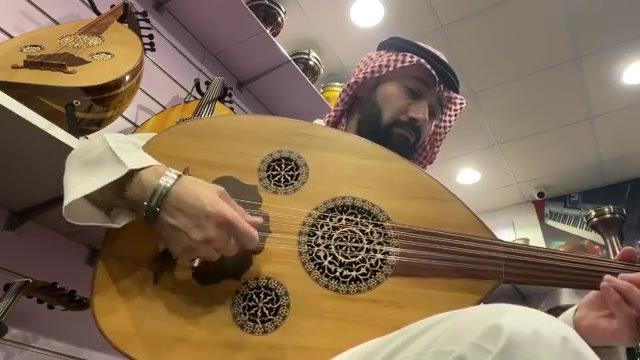 عود مصري صناعة عربي