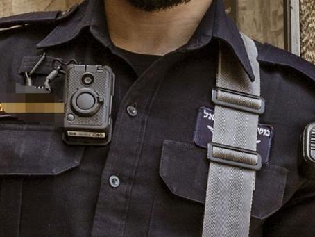 במקום לסייע לאזרחים, מצלמות הגוף עוזרות לשוטרים להגיש נגדם תביעות