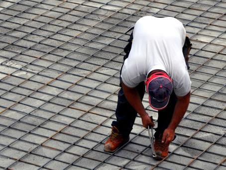 כבילת עובדים פלסטינים למעסיקיהם