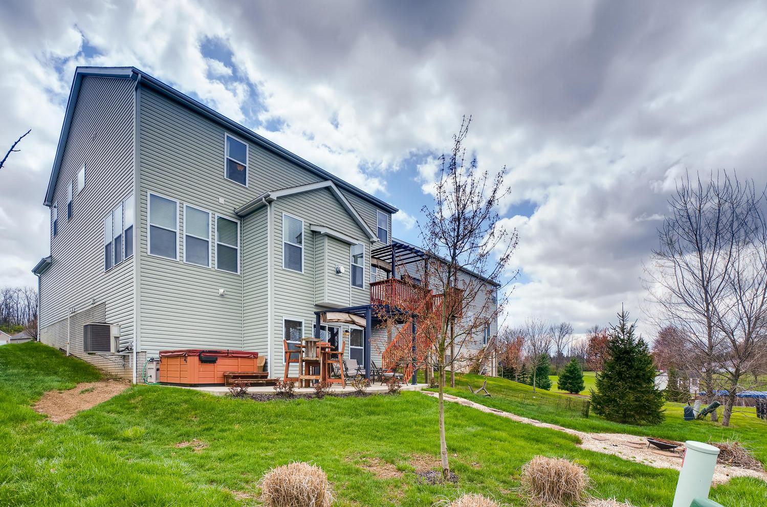 375 W Twin Maple Ave, Lithopolis, OH 43136