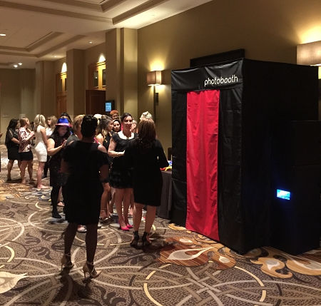 enclosed photo booth in Dallas Texas