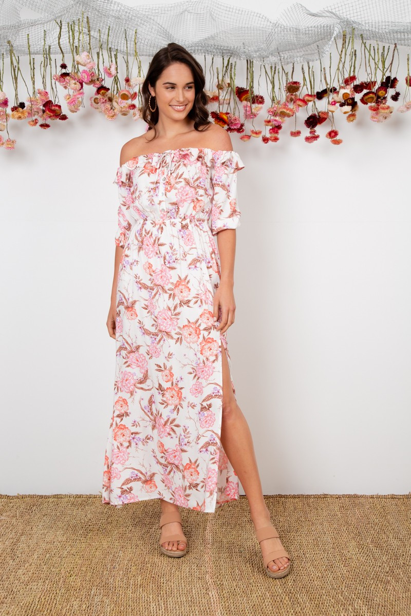 Never Know Dress In White With Blush Floral $89.90