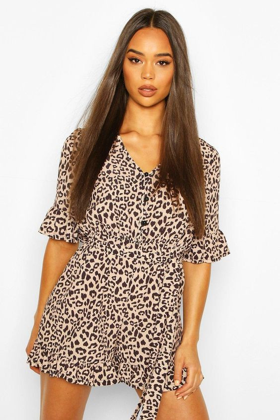 Leopard Button Up Smock Playsuit https://au.boohoo.com/leopard-button-up-smock-playsuit/FZZ69813.html Product code: FZZ69813 Promotions 50% OFF EVERYTHING! $25.00 $50.00