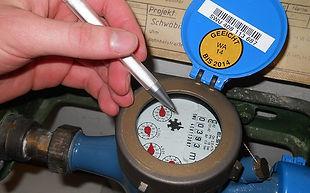 water-meter-reader-278900_640.jpg