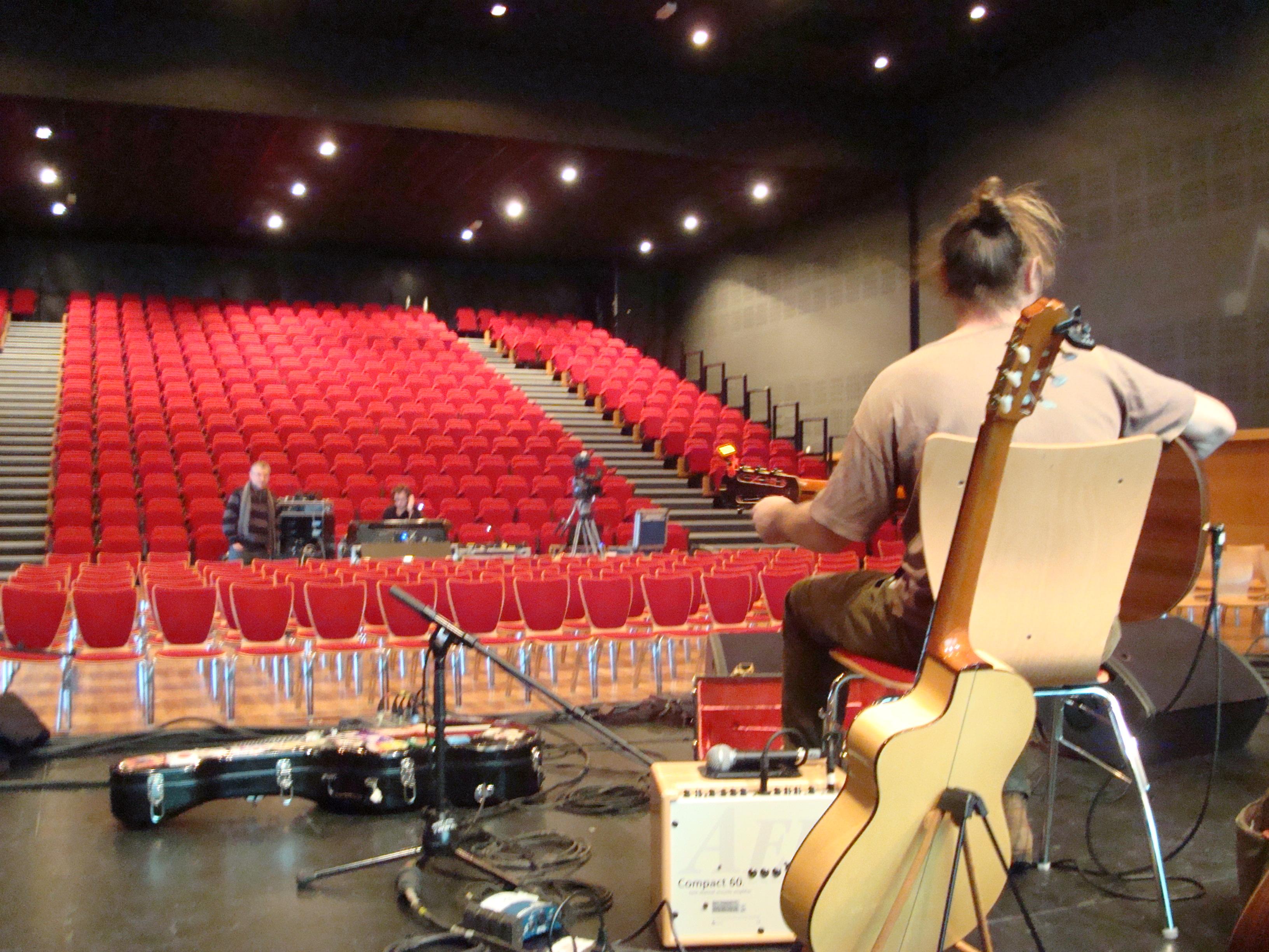 Avant concert