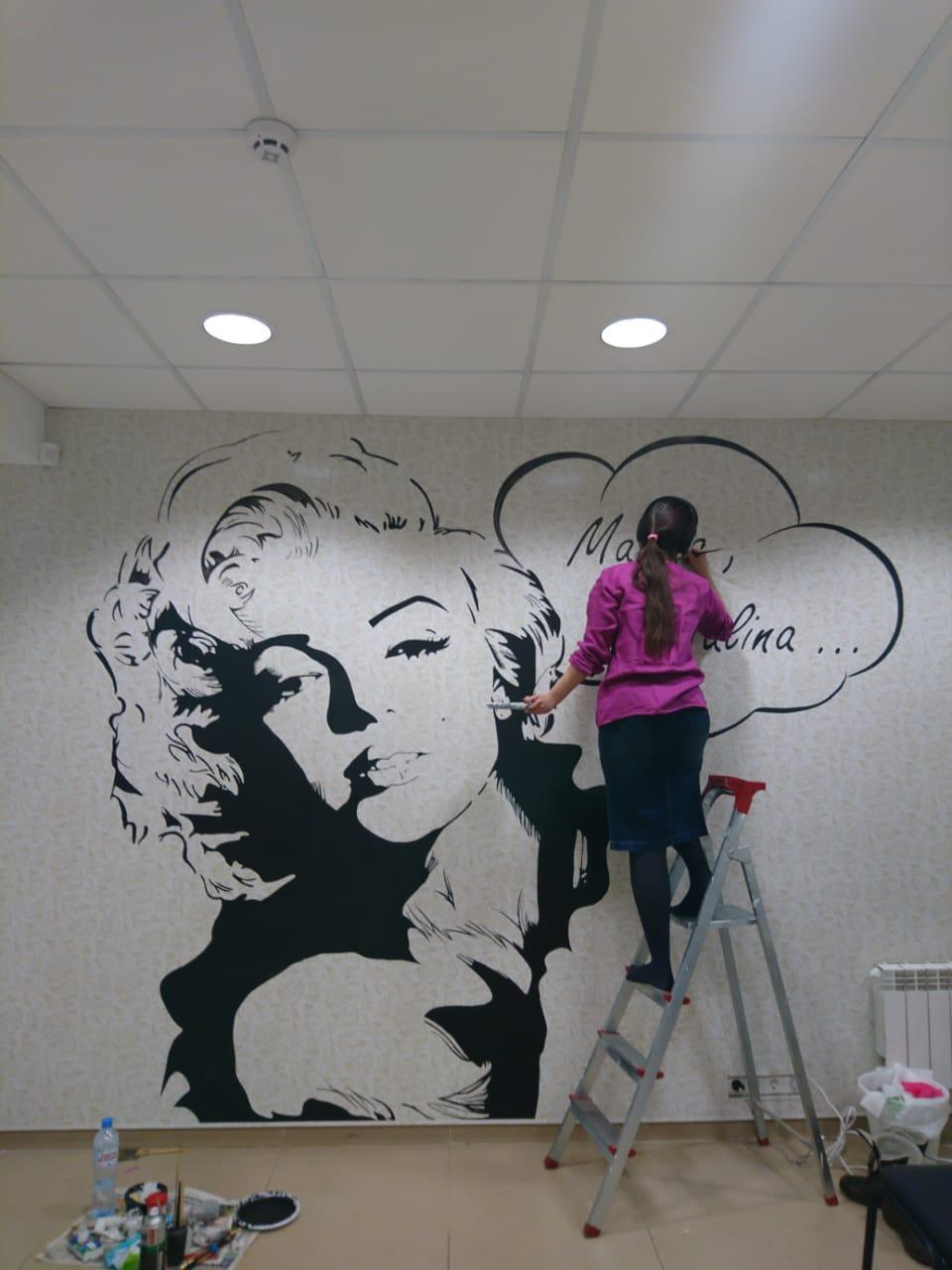 роспись стен салона красоты  -мерилин монро