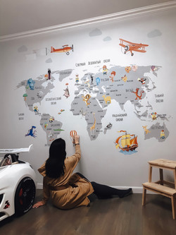 роспись стен детской мальчика карта мира