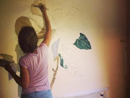 Как подготовить поверхность к росписи стен?