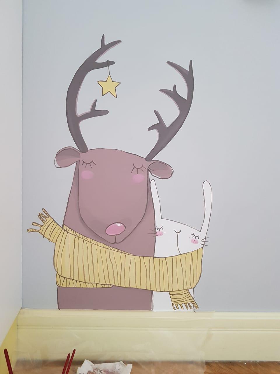 олень рисунок в детской комнате