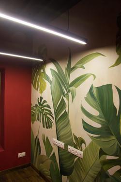 Роспись стен тропическая в офисе в Москве по проекту Chef Design
