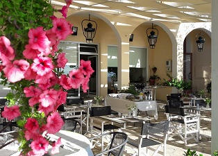 Eros Hotel, Benitses