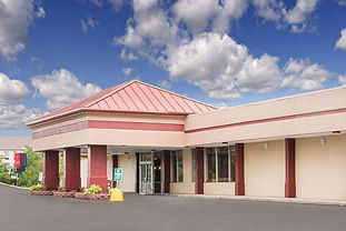 Red Roof Inn Ashtabula - Austinburg is one of the best budget hotels in Austinburg, OH that is located right off of SR 45 with easy access to I-90. We are near downtown Austinburg, Geneva-on-the-Lake, downtown Geneva, Kent State University at Ashtabula, Geneva State Park, Walnut Beach Park, Maple Ridge Golf Course, Hemlock Springs Golf Club, Chapel Hills Golf Course, Ashtabula County Fairgrounds, SPIRE Institute and University Hospitals Geneva Medical Center. We offer our guests free Wi-Fi, an onsite bar, a guest coin laundry facility and free coffee in the lobby as well as a microwave and mini-refrigerator in every room. Red Roof Inn Ashtabula - Austinburg is a pet-friendly hotel.