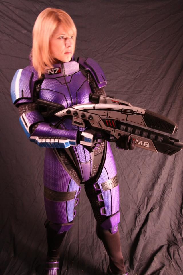 Female N7 Armor & M8 Rifle