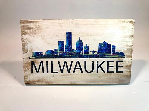 Milwaukee Skyline Wood Sign Experience