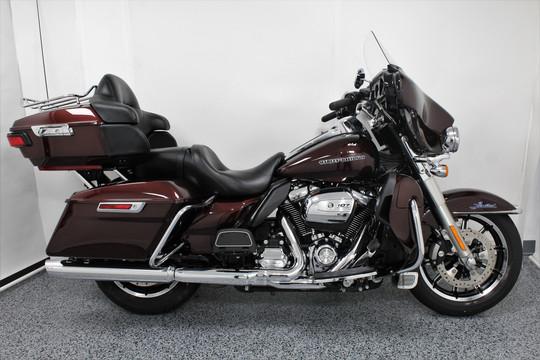 2018 Harley Limited FLHTK - $21,999