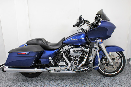 2017 Harley Road Glide Special - $17,499